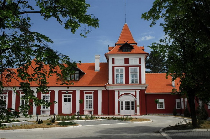 Dvorac Kastel 1а - visitzrenjanin.com