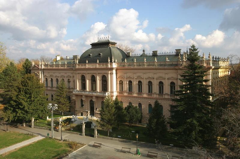 Patrijarsijski dvor, Sremski Karlovci 3а - karlovci.org.rs