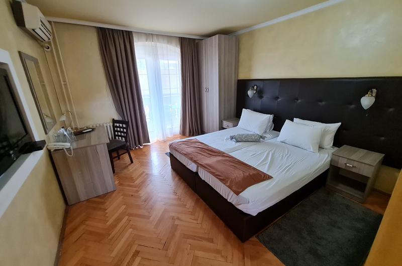 Hotel Fontana NS 16